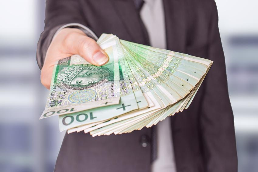 Coraz częściej pożyczamy (raport)