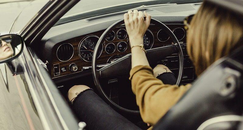 samochod bez prawa jazdy